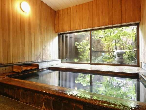 貸切温泉例:「少年時代」洗い場畳敷きで貸切無料です。