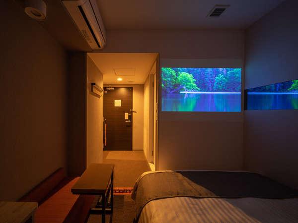 世界初!プロジェクター付天井照明でお部屋がルームシアターになる【シアタールーム】