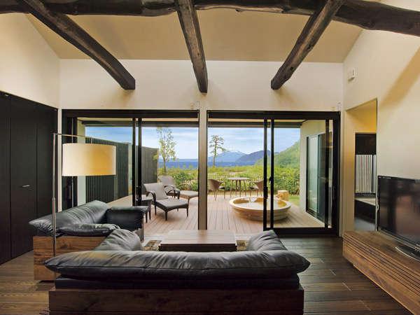 富士山と駿河湾を望む専用テラス&露天風呂付130平米の客室の一例です