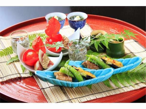 【料亭旅館 いちい亭】箱根仙石原の奥座敷 静寂な空間に本格懐石料理と古代檜の貸切温泉