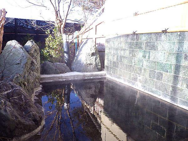 *露天風呂/移りゆく四季の空気と風景を感じながら。