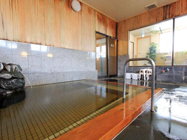 *温泉浴場/源泉かけ流しで美肌湯をご堪能いただけます。