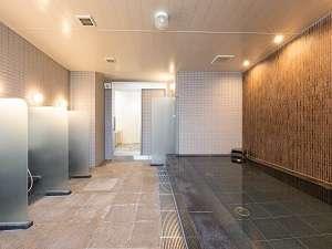 一階大浴場(15時から深夜1時営業)(朝6時から8時営業)