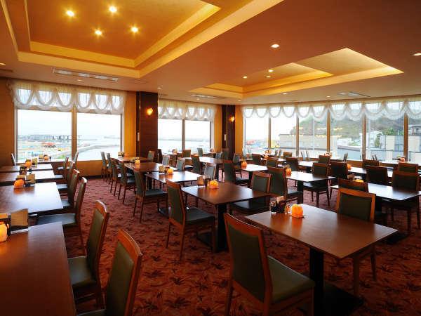 ★2Fレストラン【シーレイ】からは海や夕陽が眺められます。