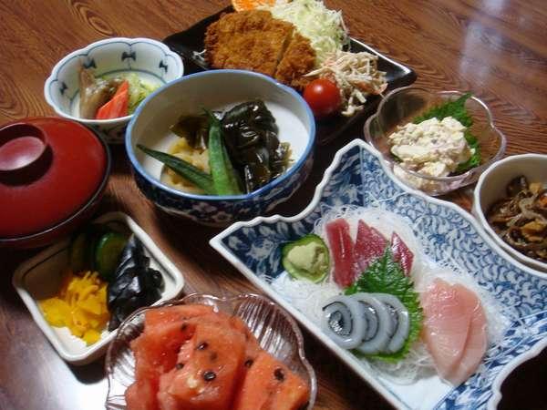 【基本料理の例】 季節、仕入状況によってお料理は異なります。