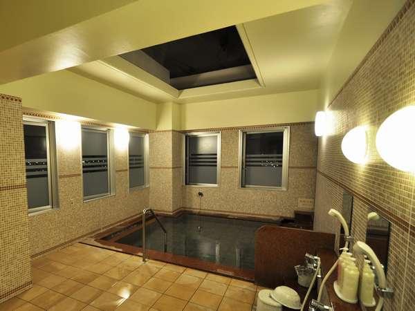14階にある女性展望大浴場(人工ラジウム温泉)ご利用時間:15時~深夜2時、朝5時~10時まで