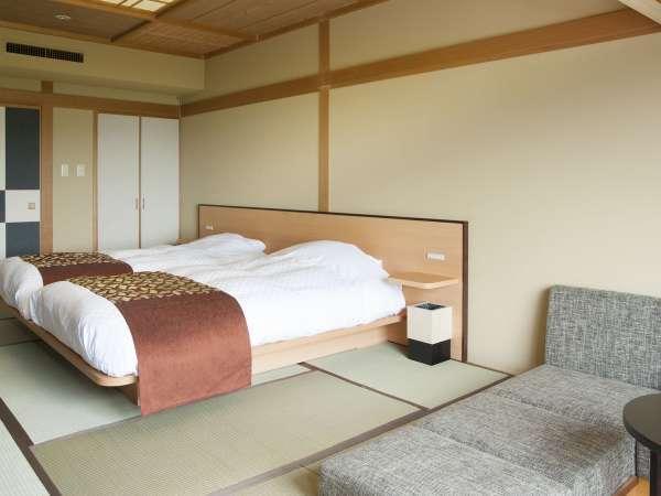 【山側】和室ツイン/阿寒の山々が一望でき、開放感に溢れたお部屋となっております。