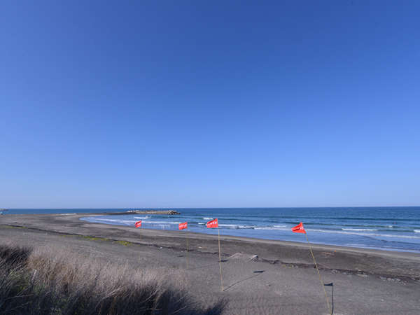 ホテル近くの海岸。サーフィンポイントが広く人気エリア!周辺にはサーフショップも充実しています。