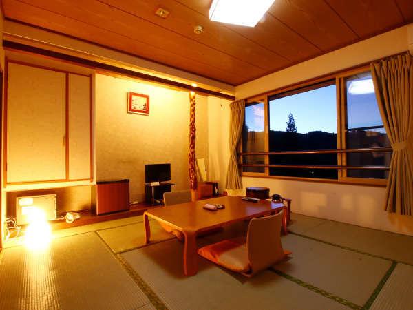 清潔感のある和室でゆったりとお過ごしください