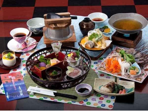 レストランアルカでは、自然に恵まれた舞鶴ならではの新鮮な食材を厳選した和・洋・中のメニューをご用意。