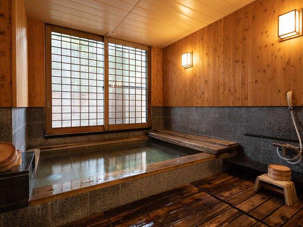 ■龍宮(檜風呂)■ 14:30~19:00男性浴場 20:00~貸切風呂(要予約) 6:00~9:00女性浴場