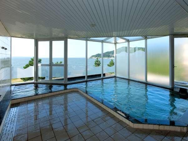 ■大浴場■広々とした開放感のある内風呂です。(温泉ではありません)