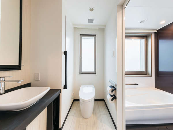 全室バスルーム・トイレがセパレートとなっております。