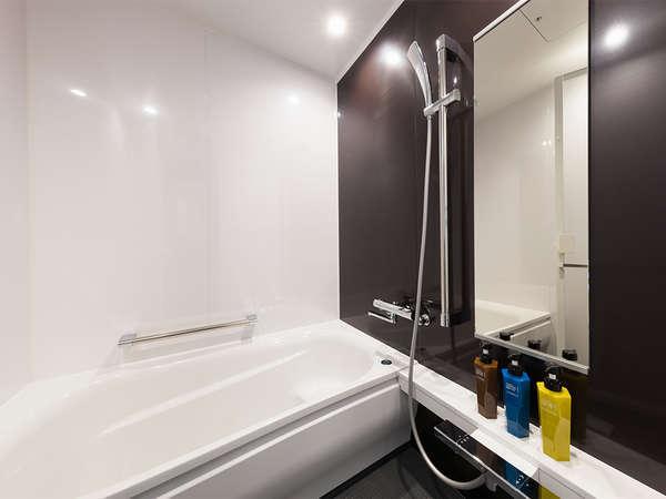 バスルームには洗い場がついております。