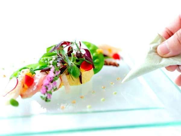 【ビストロブルゴーニュ】シェフが丁寧に仕上げたお料理をお楽しみ下さい。