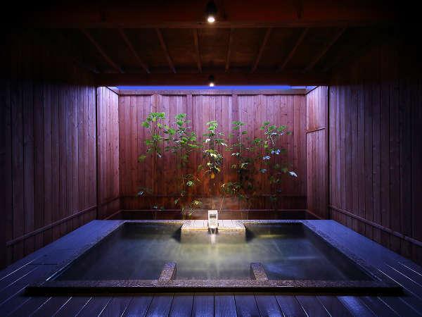 【男女別共同浴場】潮騒を聞きながら落ち着いた雰囲気でお楽しみいただけるゆうみの内湯。