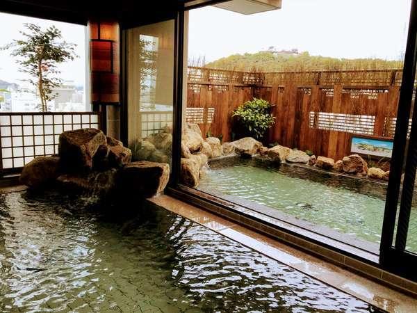 男子大浴場からは松山城を一望できます。温泉とともにご堪能ください..