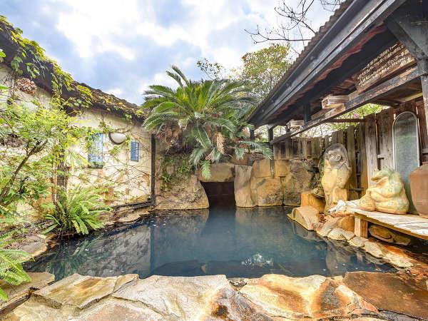 【京町温泉 洞窟風呂のある宿 玉泉館】洞窟露天のすっぽんぽん風呂が自慢。24時間入浴可能<貸切湯無料>