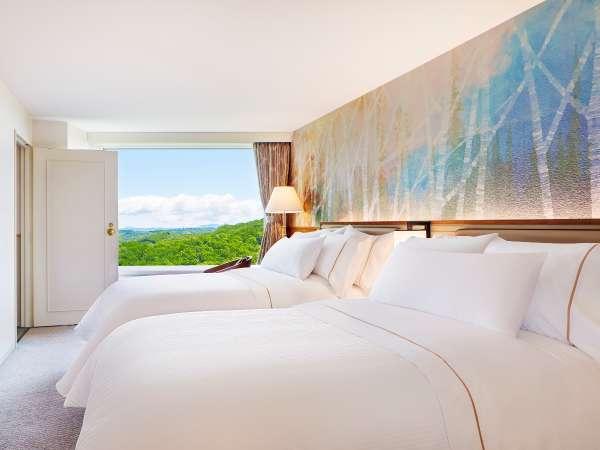 ■全室メゾネット(客室例/ベッドルーム):WESTIN特製ヘブンリーベッドとともに心地よいお目覚めを