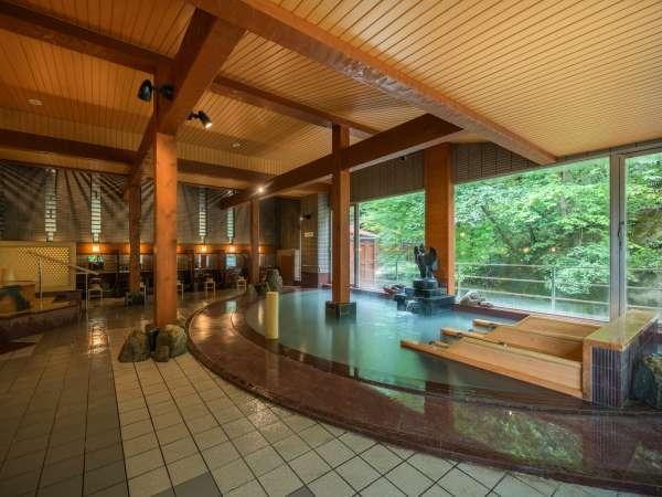 大浴場内湯には、人気の寝湯も完備!檜の香りに包まれ、身体を投げ出して湯ったり寛いで♪