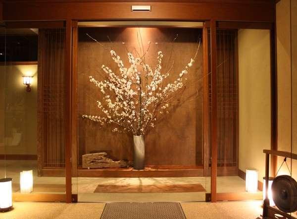エントランスの桜は、満開になりました