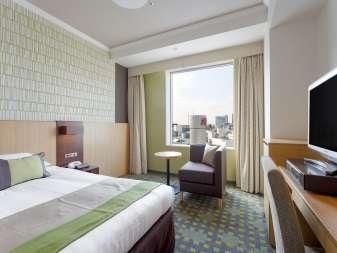 20平米のお部屋に、幅120cm以上のベッドをご用意。スタンダードシングル。