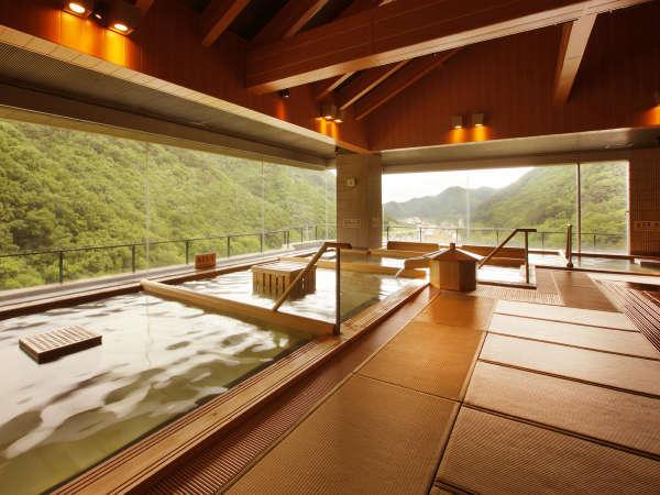 【ホテル華の湯 30種類の湯船が人気の宿】30種類の湯舟で贅沢な湯舎(ゆや)めぐりをお楽しみください♪