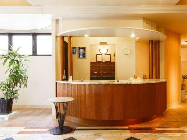 京都観光の拠点に♪【ホテルささりんどう】!フロントはこちらです。