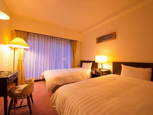 ★Jrスイート★[35平米] リビングとベッドルームの2室からなる特別室。広いテラスでは夜空を独占!