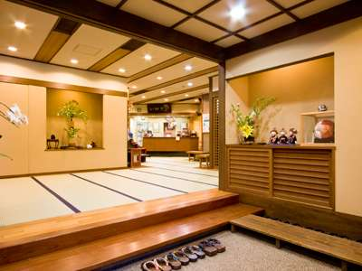 当館は全館畳敷きの宿なので『素足で歩けてほっこりします』とお客様からも好評。