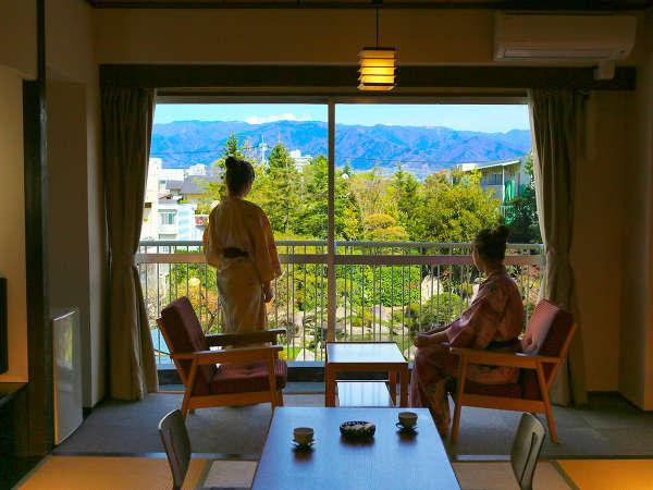 日本庭園を望むお部屋