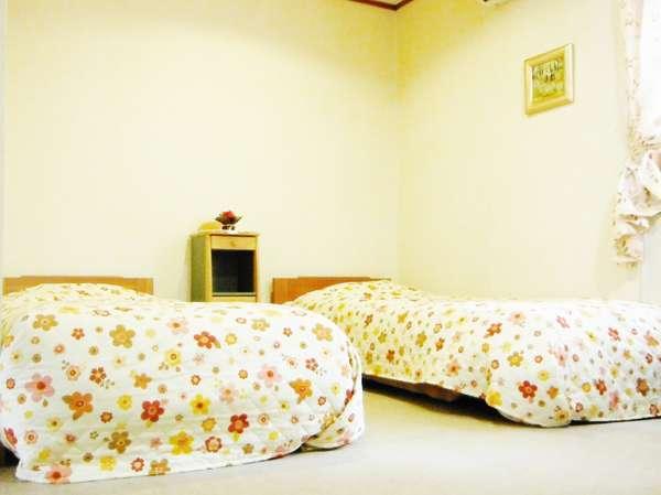 【客室例】室内と設備は清潔除菌で安心です