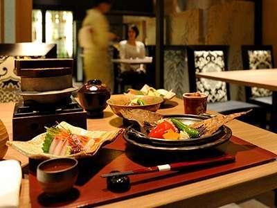 新潟が誇る米と酒。地元食材を使用して織り成す旨みを堪能。