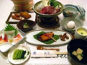 【夕食一例】地元の旬の素材をお楽しみ下さい
