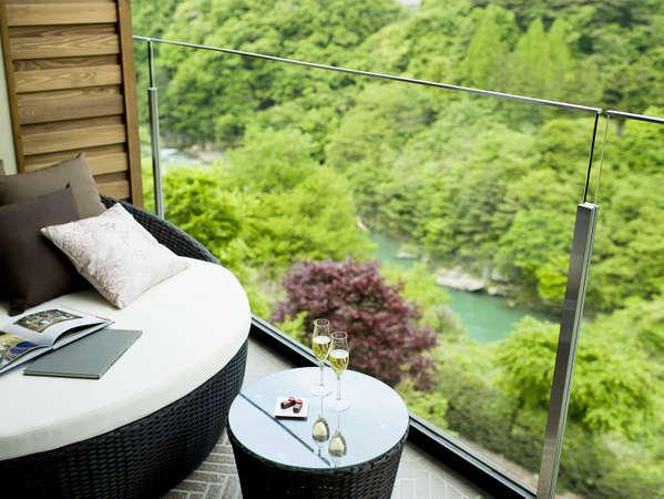 客室タイプ『グレードアップ和室(露天風呂付)【2-4階】』テラスからの眺め