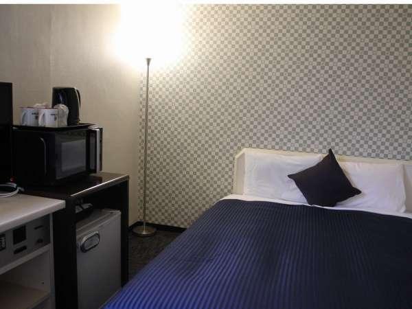 シングルルーム☆ベッドは140cm幅を採用!(※ベッド1台に2名様までご利用可)