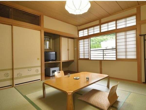 【和室】スタンダードなお部屋です。ゆったりとした和室で落ち着きます。