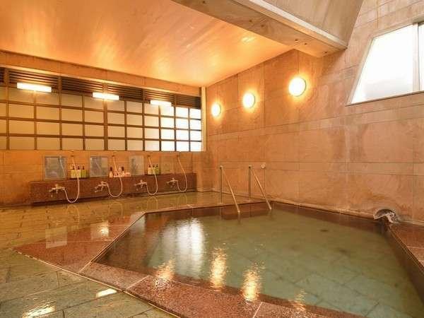 大浴場。無色透明で体の芯から温まる良泉と常連様に好評です♪他に「岩風呂」「貸切風呂」あります。。