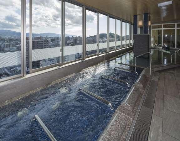 最上階大浴場・内湯、寝湯