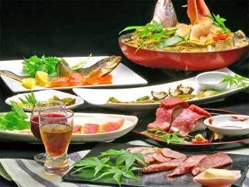 ≪ご夕食例≫滋賀の季節の地物を使った珍しい料理が、ところ狭しと並ぶお食事。個室にてのんびりと★