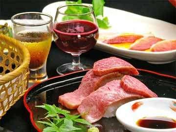 当宿名物!「A5等級の国産・近江牛」を、さっとあぶり焼きした牛とろ寿司…とろけます☆