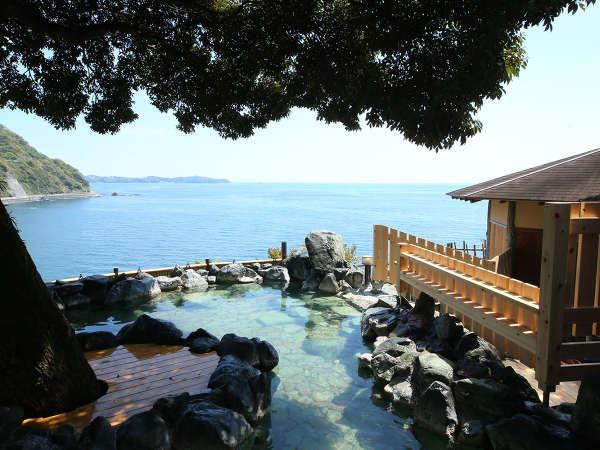 絶景の露天風呂(昼)※天候や源泉の状況により、ご利用いただけない場合があります。