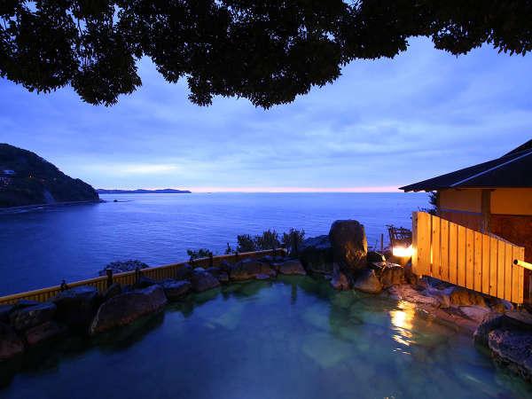 絶景の露天風呂(朝)※天候や源泉の状況により、ご利用いただけない場合があります。