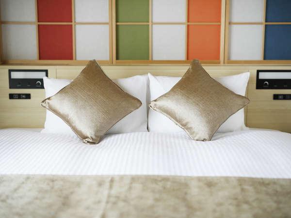 全客室に質の高い眠りと目覚めをお届けするシモンズのベッドを採用しております。