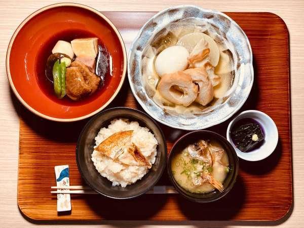 地産地消!北陸の郷土料理も楽しめる!「金沢朝定食」