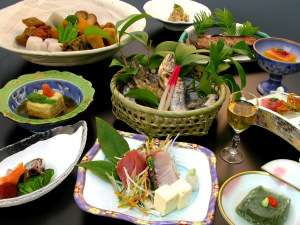 ●健康無添加懐石料理●地元口コミで評判の美味料理は女将手作り味噌や梅、漬け物と旬の山の幸