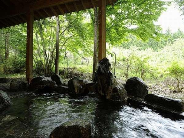 【自家製 手づくり こだわりの宿 旅籠しんでん】猿ヶ京の高台にある森の中の静かな宿 露天風呂で森林浴