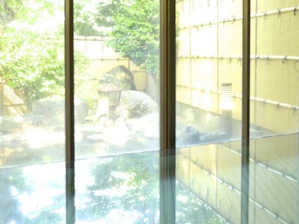 内湯(男性)イメージ。ガラス張りでそのまま芦ノ牧温泉の大自然を楽しめる。
