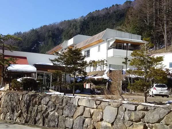 塩沢温泉七峰館外観です。