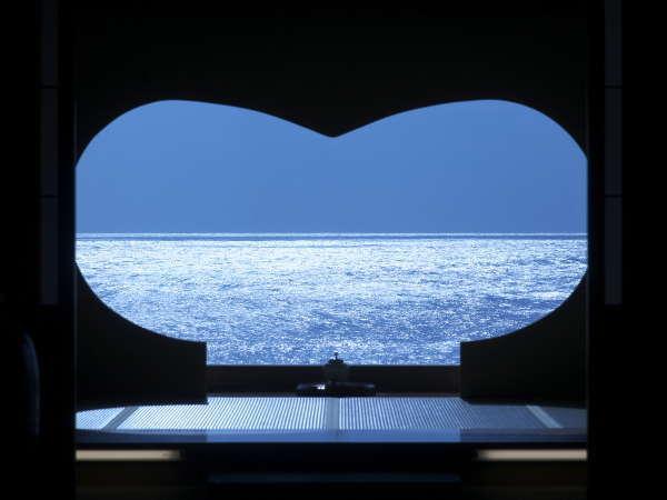 【エントランス】石花海のシンボルはハート型♪